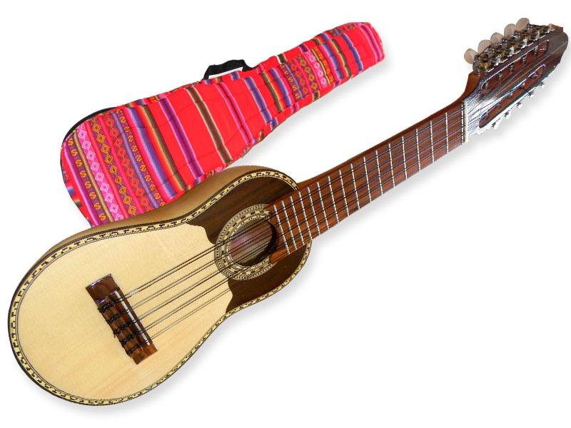 charango-luthier-tallado-madera-artesanal